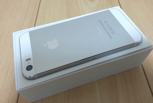 iPhone5s入荷シルバー
