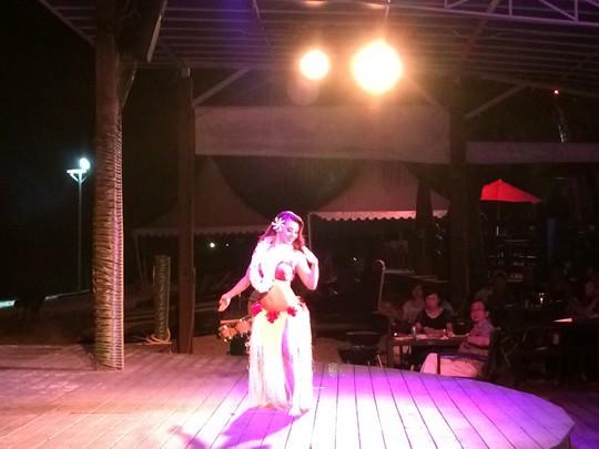 グァムのザ・ビーチでショー1