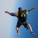 スカイダイビングを初体験して激酔いした