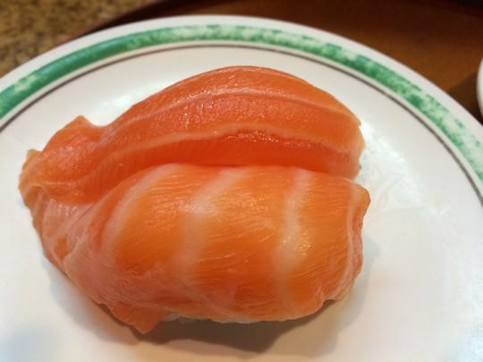 グァム寿司屋サーモン