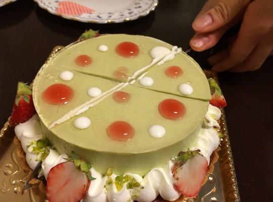 タルトタタンケーキカット