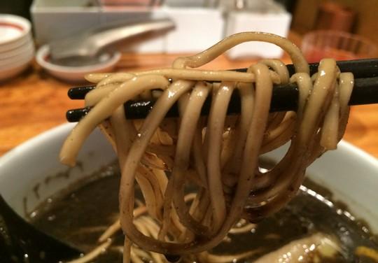 博多ブラックカレー麵