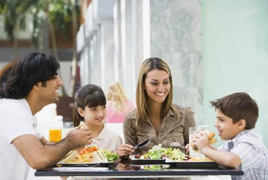 「家族サービス」という言葉に疑問