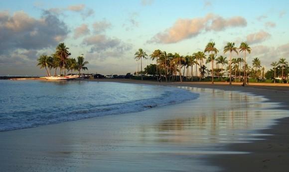 学生の沖縄リゾート住み込みアルバイト