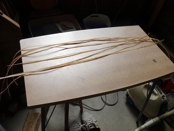 太鼓を縫う糸