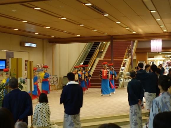 ホテル紫苑さんさ踊り演舞1
