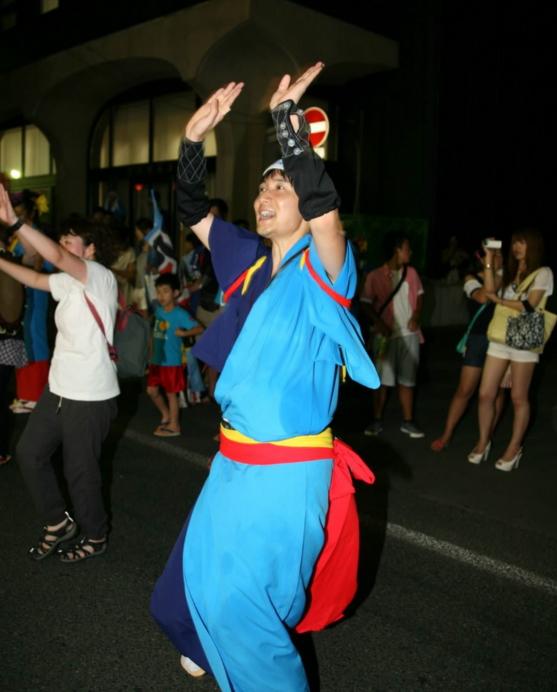 盛岡さんさ踊り輪踊り