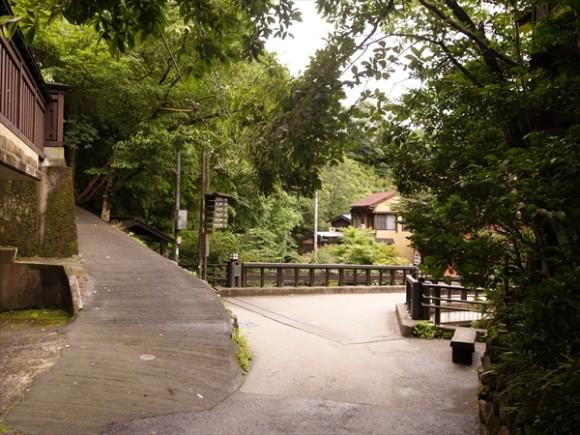 黒川温泉の内部道4