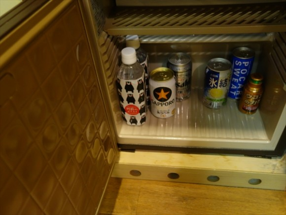 くまモングッズと夢見る熊本の旅ルーム冷蔵庫