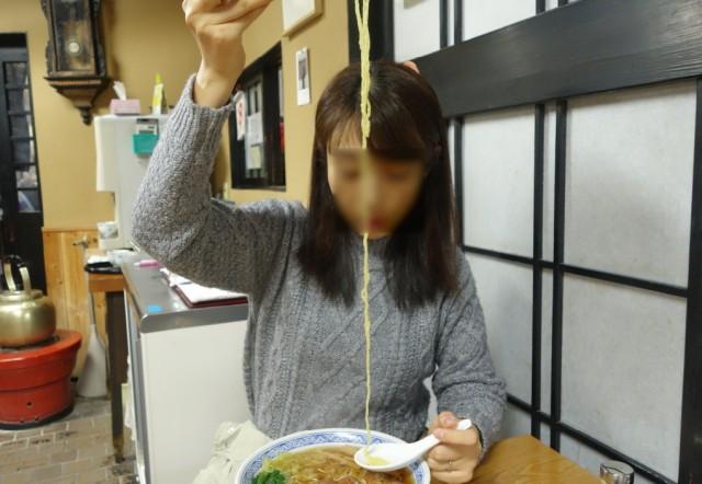 カツ中華の麺